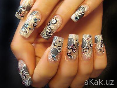 Как наклеить накладные ногти?